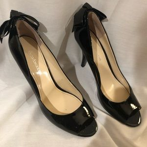 Black Patent Leather Pumps with Bow